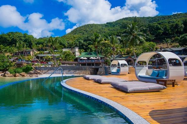 Coco-De-Mer-Hotel-&-Black-Parrot-Suites-img