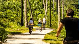 la digue bicycle tour
