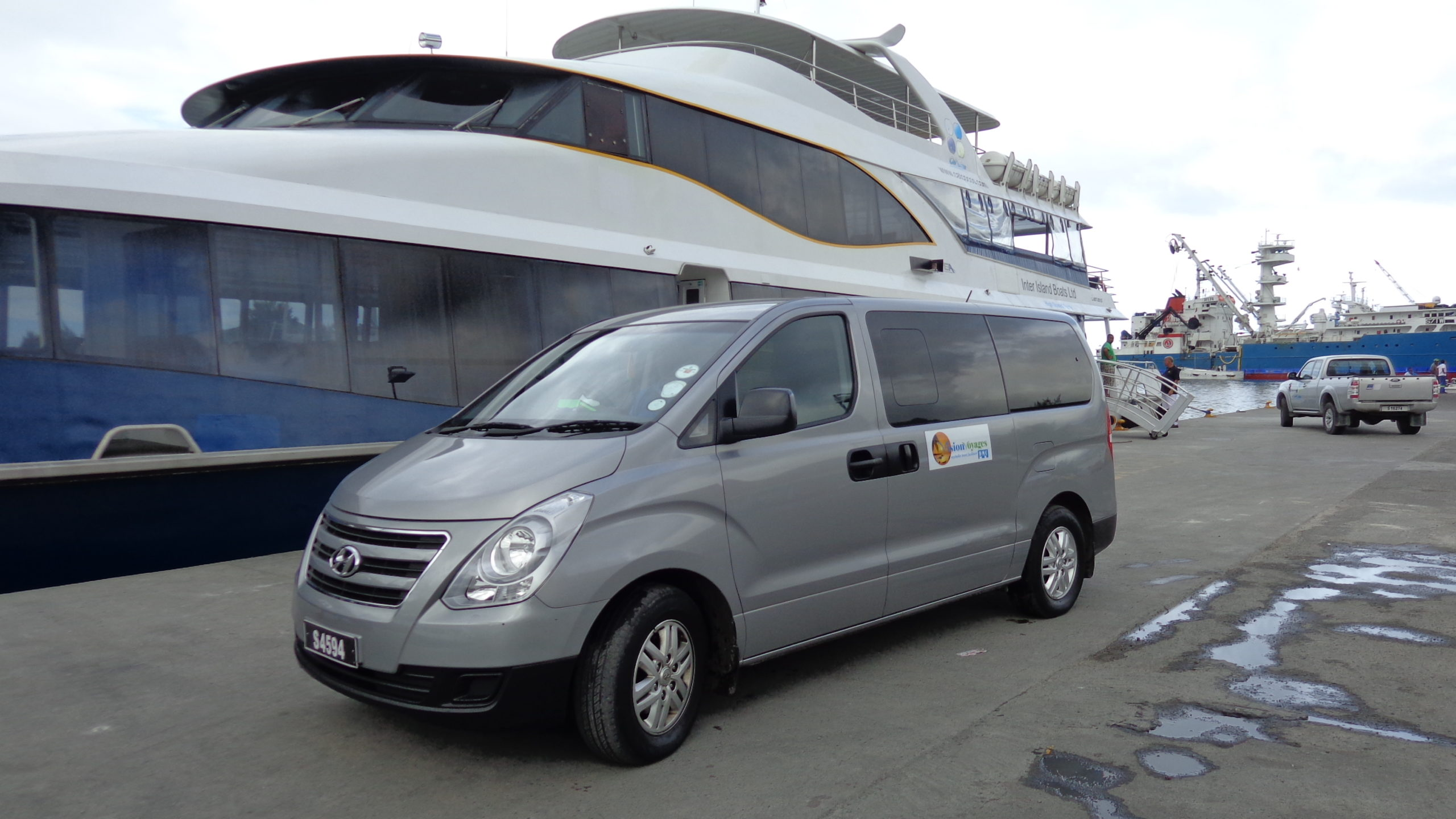 Luxury Seychelles Airport Transfer vehicle.