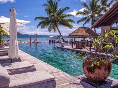 Le Domaine de L'Orangeraie_Pool Lounge Chair Area